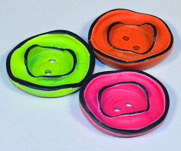 Runder Knopf mit Rillen aus Kunststoff Resin, ca.23mm Ø, von Jim Knopf