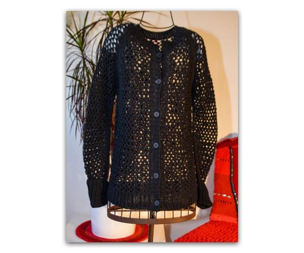 Handgestrickte Lochmuster-Jacke aus Baby Cotton von Lang Yarns
