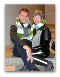 Susanne + Christian Peters mit dem Schal fürs Leben 2019